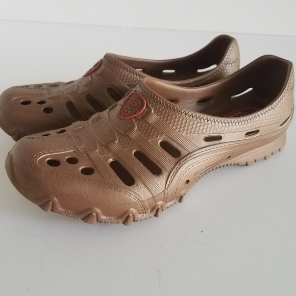 Sketchers Cali Gear Flats Croc Style